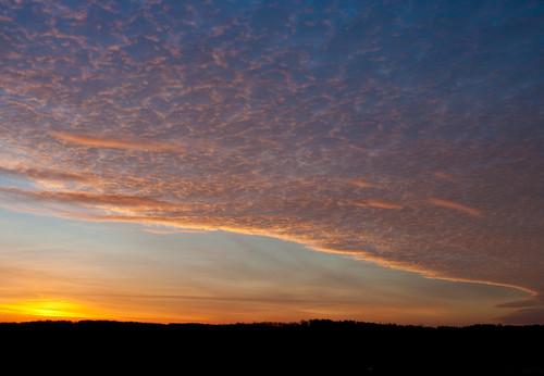sunrise dawn pentax cloudscape wispy obsessed k20d citrit ljhphotography louhablas crowdmedia ljhphoto