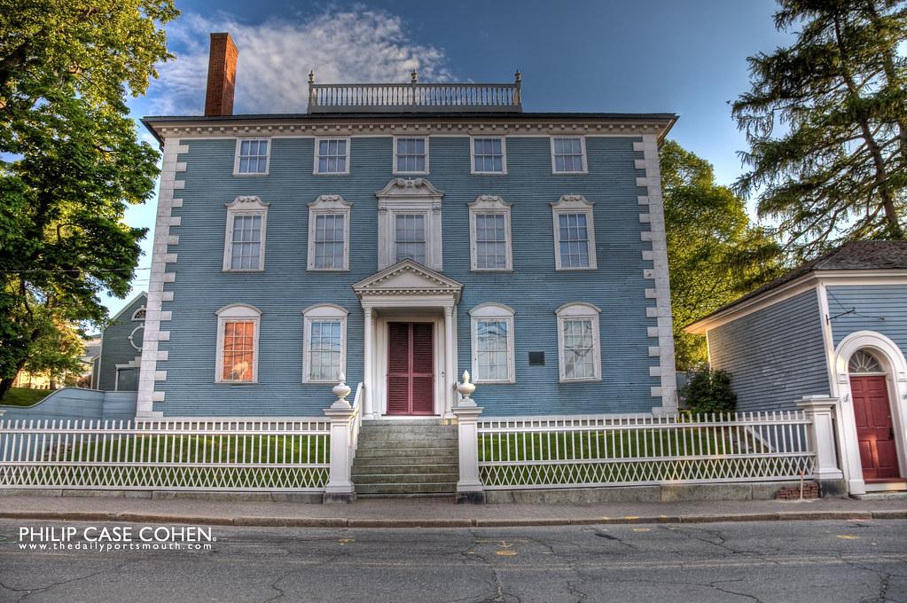 Moffatt-Ladd House by Philip Case Cohen