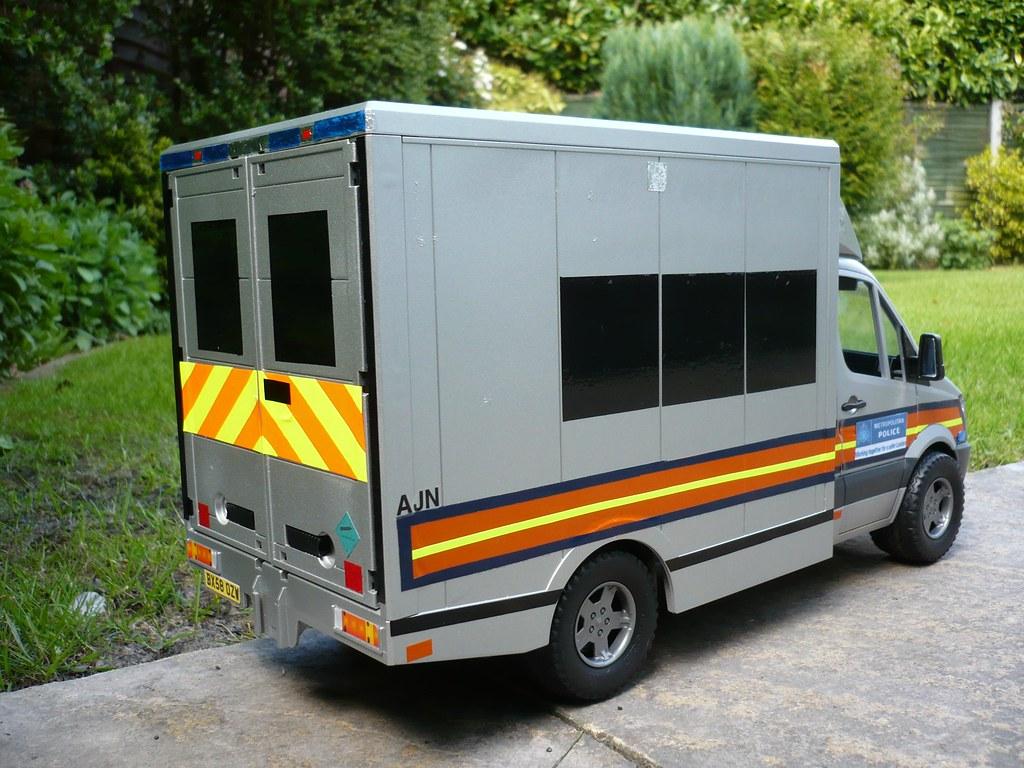 1:16 Code 3 Mercedes Sprinter Met Police TSG Van - Back | Flickr