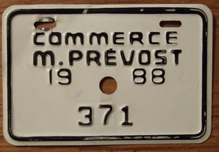 QUEBEC, PREVOST 1988 COMMERCE plate