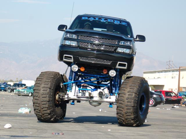 Lifted Chevy Trucks >> Huge Lifted Chevy Truck Muddog299 Flickr