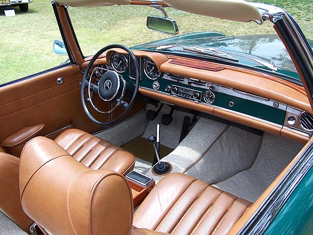 Mercedes 230sl interior