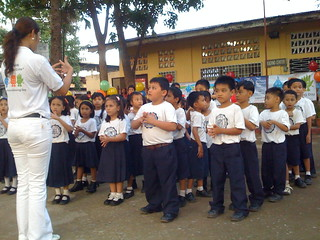 dry run with kids at City Central School CDO on how to wash hands with soap during Global Handwashing Day 2008 (Cagayan de Oro) | by Sustainable sanitation