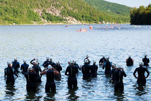 sport women athletes swimmers triathlon wetsuits newfoundlake swimbikerun moosemantriathlon wavestart