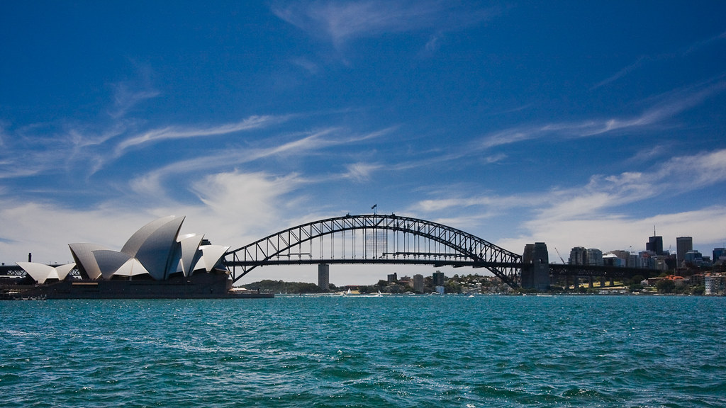 Sydney : Opera House and Harbour Bridge by mouzhik