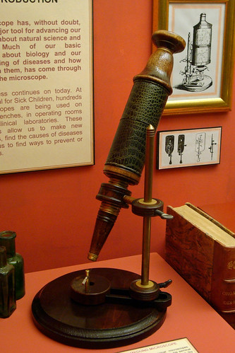 Robert Hooke's Compound Microscope (replica) | by Richard Wintle