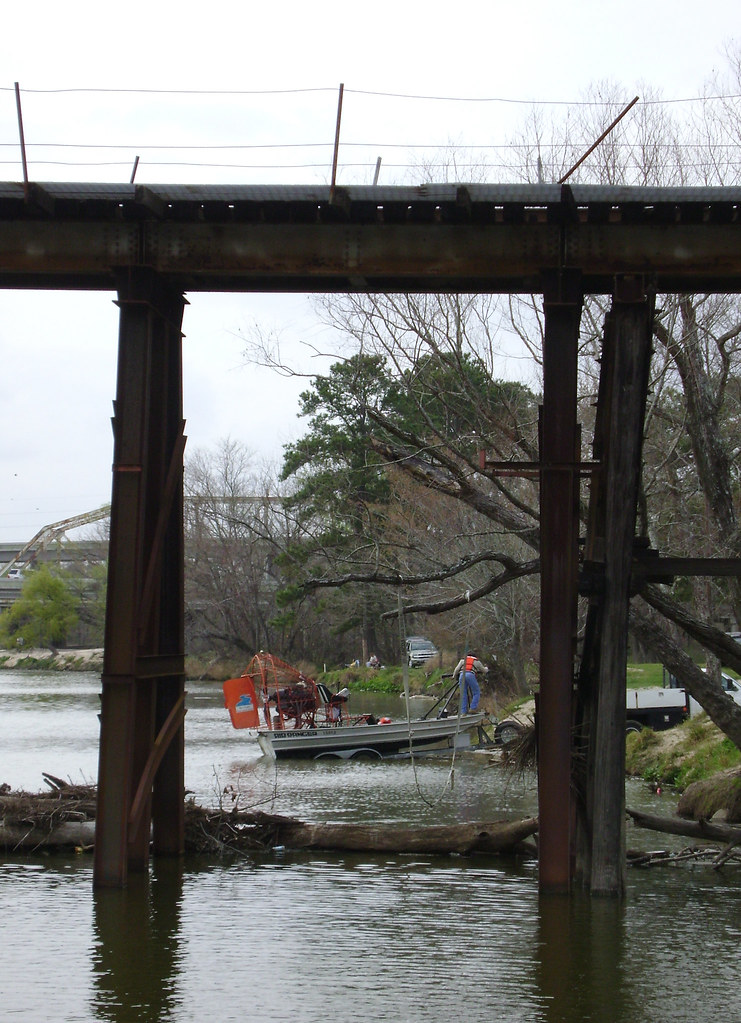 Airboat on San Jacinto River at US 59 0225091458