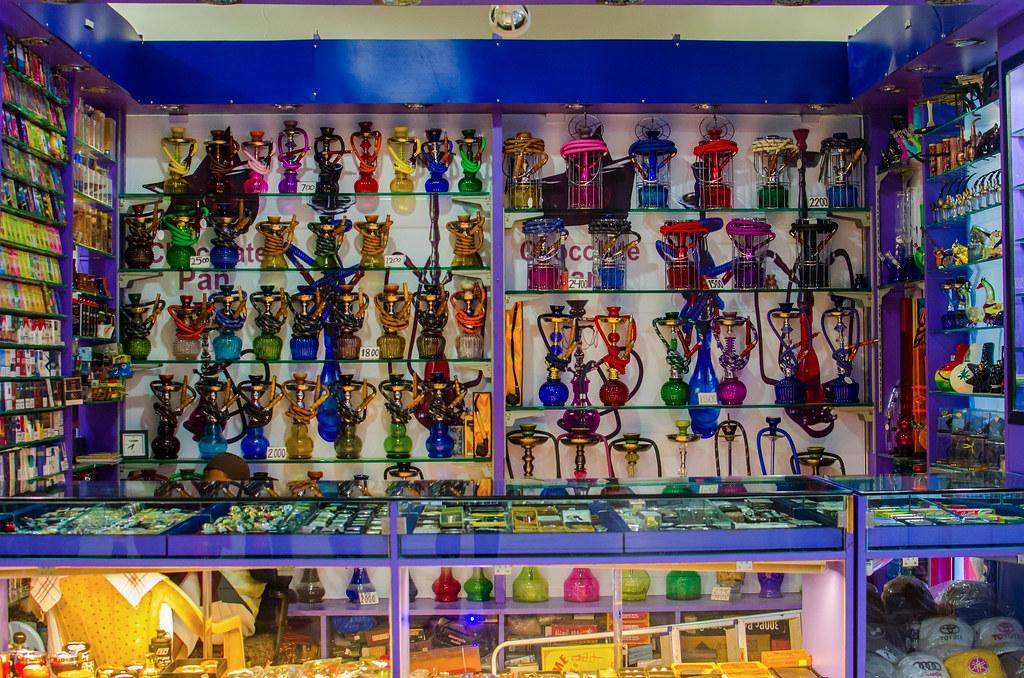hookah shop, seasons, pune | Debarpan Dan | Flickr