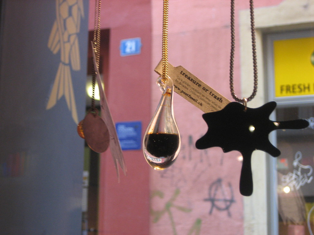 for sale: crude oil necklace: 280 CHF | sleurig | Flickr