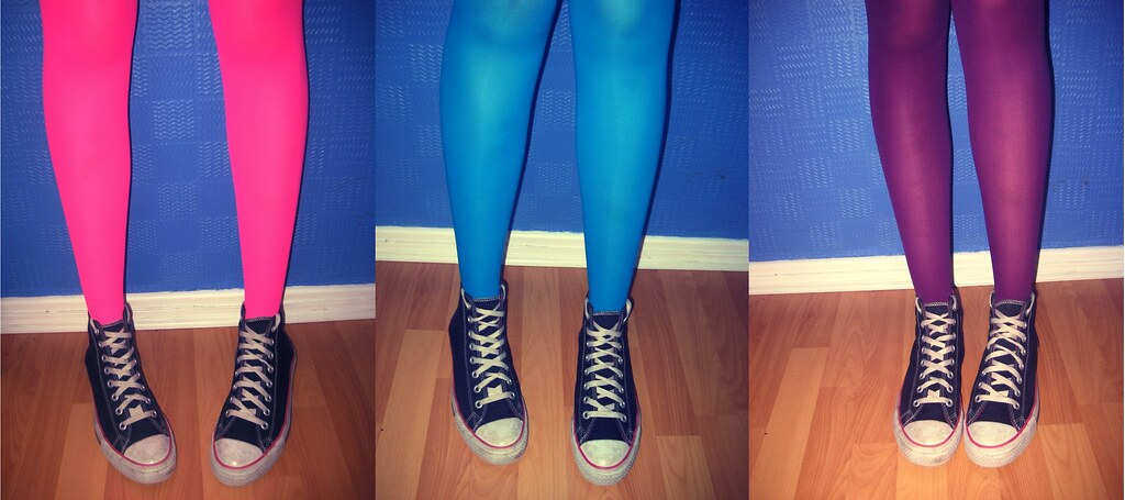 My Neon tights & Converse obsession | © Magneticheart 2009 T