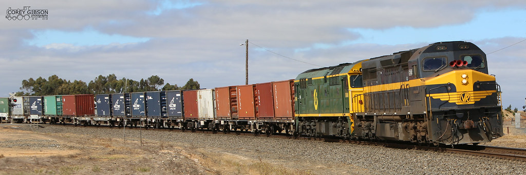 9719V Down Horsham QUBE freight with C501 & 8049 at Maroona by Corey Gibson