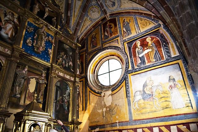 Iglesia de San Cornelio y San Cipriano (San Cebrián de Mudá) Pinturas del lado de la epístola