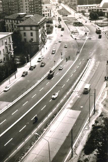 Milano, l'inizio del cavalcavia R. Serra / Monteceneri - Aprile 1962