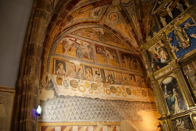 Iglesia de San Cornelio y San Cipriano (San Cebrián de Mudá) Pinturas del lado del evangelio