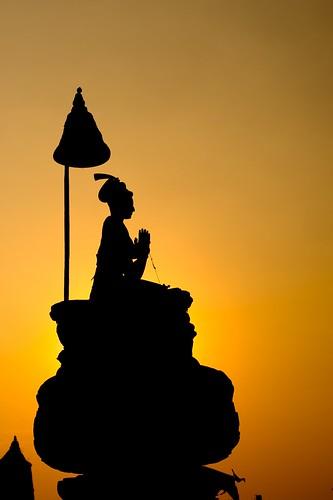 nepal sunset silhouette 50mm buddha meditating bhaktapur 50mmf18