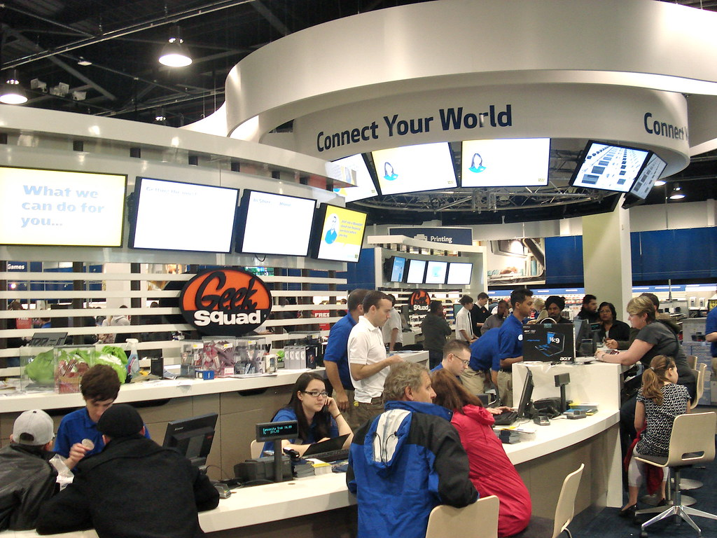 Mobile Service Desk - Best Buy | If you're buying a mobile, … | Flickr