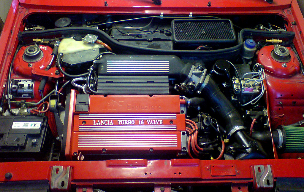 All sizes | Lancia Delta HF integrale 16v engine bay ...