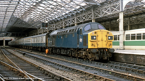 west train diesel yorkshire railway passenger britishrail huddersfield class40 40143