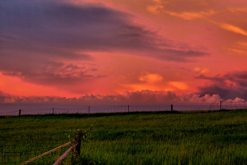 pink sunset sky green field grass clouds canon geotagged countryside purple dramatic colourful hdr xsi durhamregion tonemapped 450d mitchellscorner giltennant