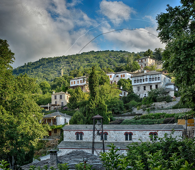 Οι Πινακ(άτ)ες του Πηλίου Pinacates at Pelion mount       3vertical captures pano