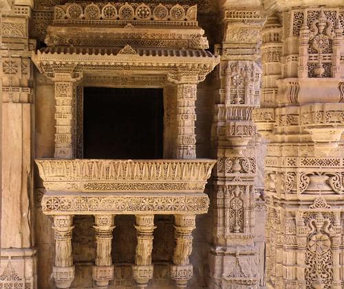 sculpture india sandstone carving gujarat vav stepwell adalaj indianculture baori indianhistory