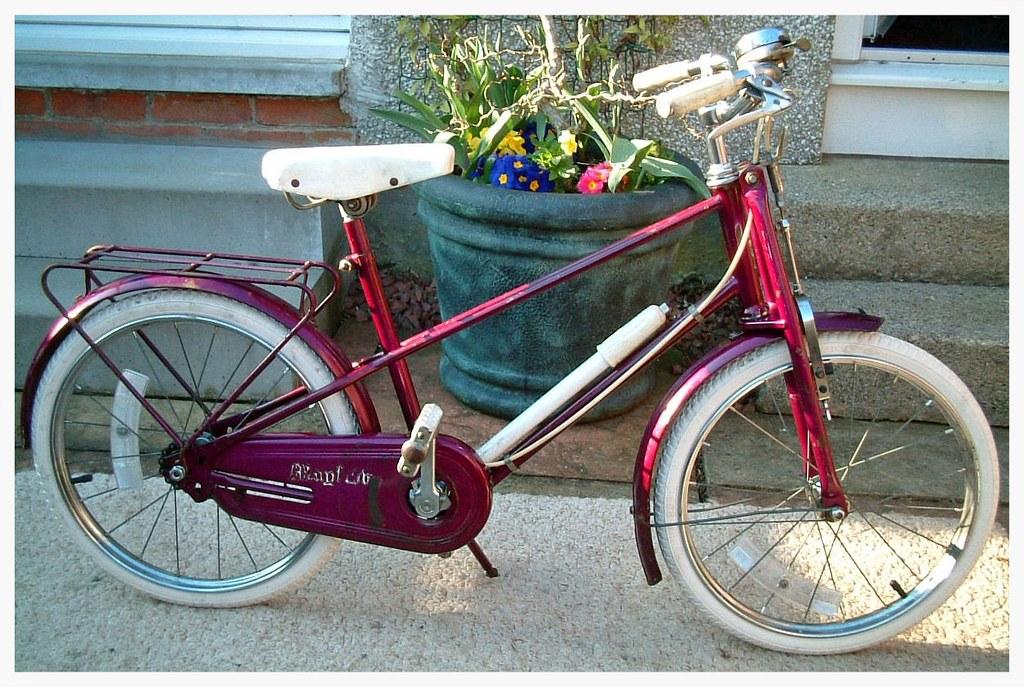 Halfords Mayflower vintage kid's mixte-framed bike   Flickr