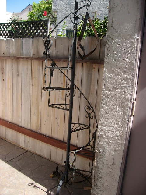 Attrayant Wrought Iron Spiral Staircase Plant Stand | I Plan To Wash A ...