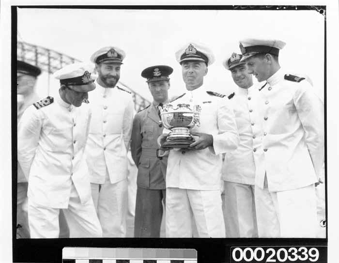 Crew onboard HMAS SYDNEY (II) upon return to Sydney, 1941