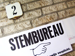 stembureau | by screenpunk