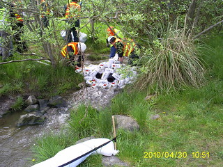 Spill cleanup in Thames Creek