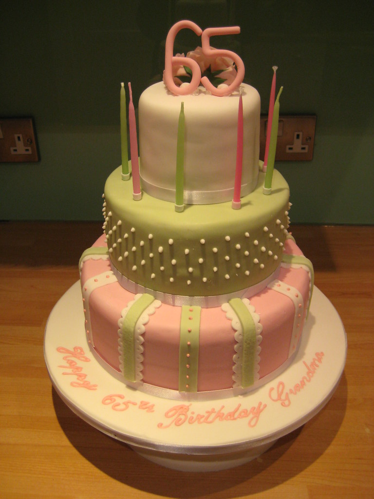 Fine My Mums 65Th Birthday Cake This Was Big It Was So Tall A Flickr Funny Birthday Cards Online Inifofree Goldxyz
