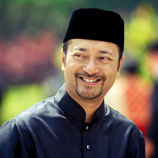 Mukhriz | Happy | by wazari