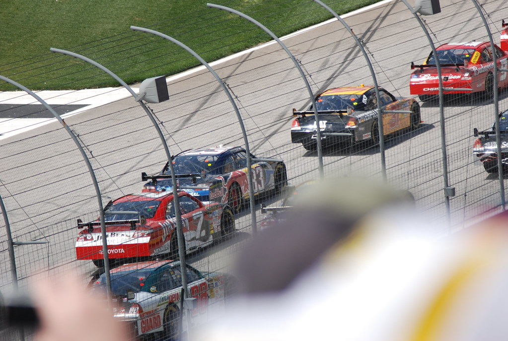 Nascar 2009 - Kobalt Tools 500 | Newman coming by with Junio… | Flickr