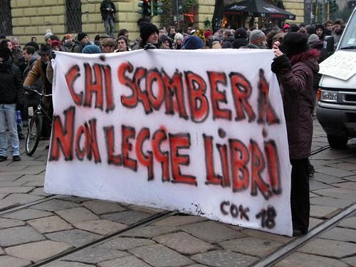 Manifestazione contro sgombero Cox 18   by rogimmi