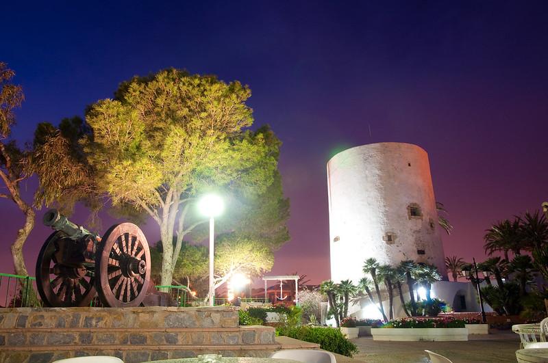 Torre y cañon Cabo Roig