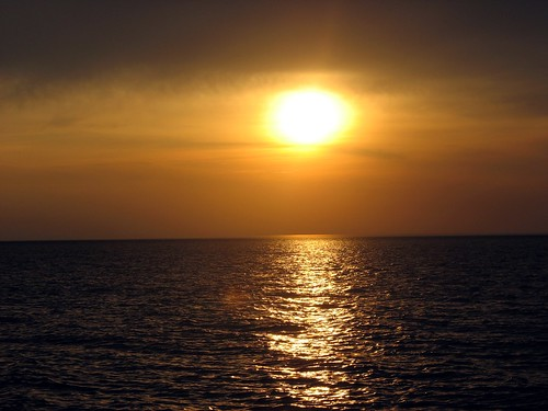 golden sunset on Lake Michigan | by Reclamation Revolution