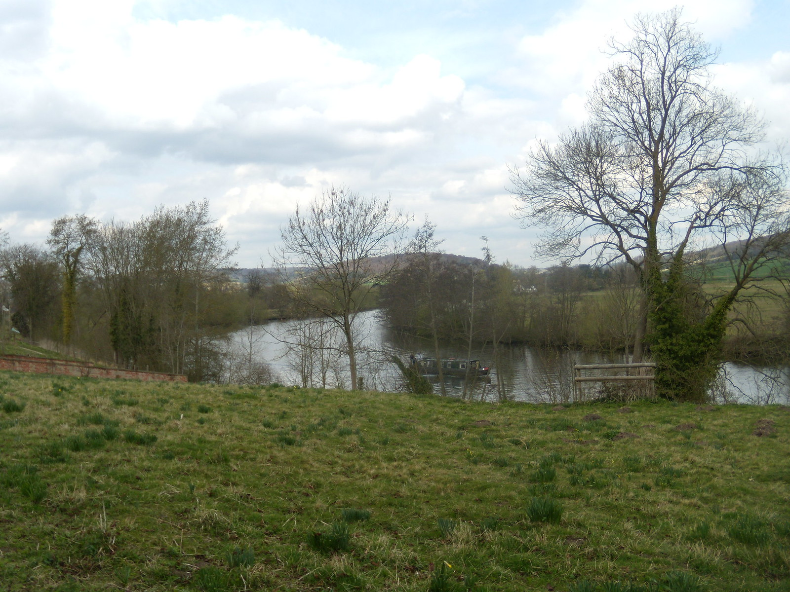 Vew of the Thames Nearing Hambleden Marlow Circular