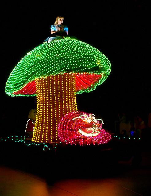 Disney - Disneys Electrical Parade - Alice in Wonderland