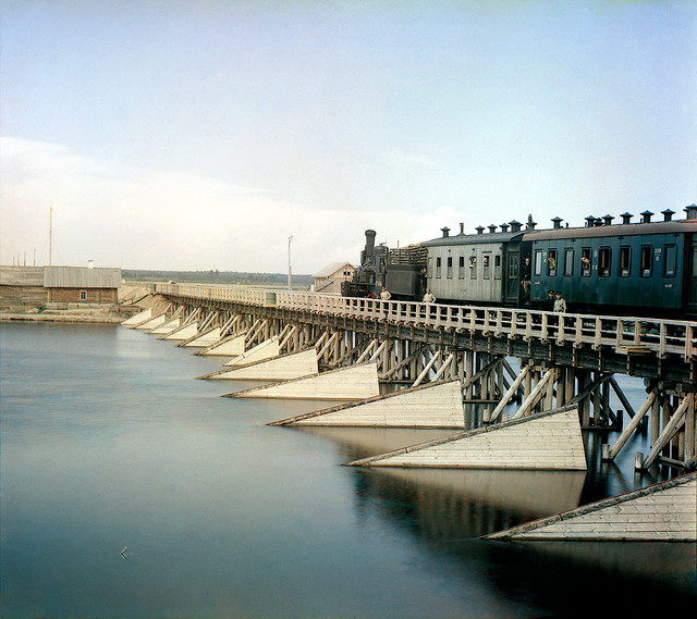 The railroad bridge over the river Shuya, 1915