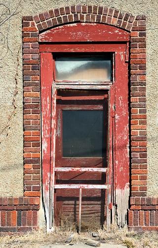 door brick d70 decay doorway princeton kansas peelingpaint brickwork deterioration