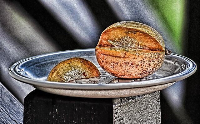 Golden Apple in HDR