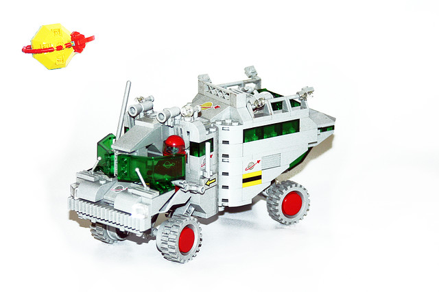 1AA Classic Space Rover 1