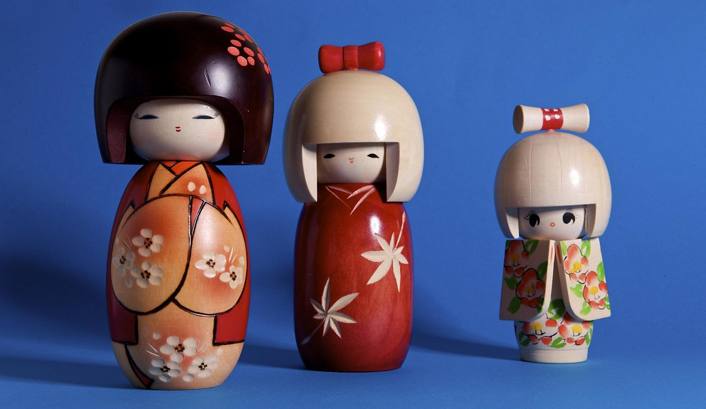 where to buy Kokeshi dolls in tokyo