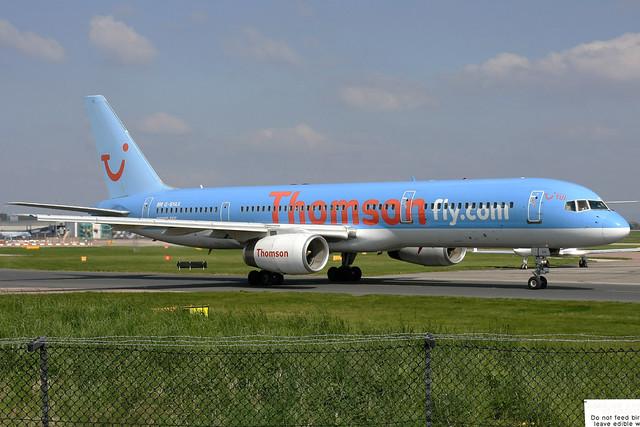 ThomsonFly Boeing 757-204 G-BYAX MAN 18-04-09
