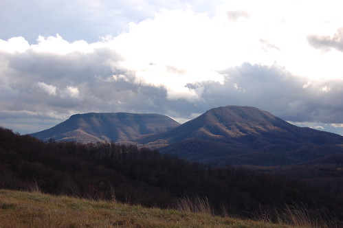 mountain clouds geotagged virginia valley geo:lat=37882509 geo:lon=79551144