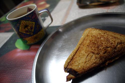 Breakfast of Indian homestay インドホームステイの朝ごはん | by kimama_labo