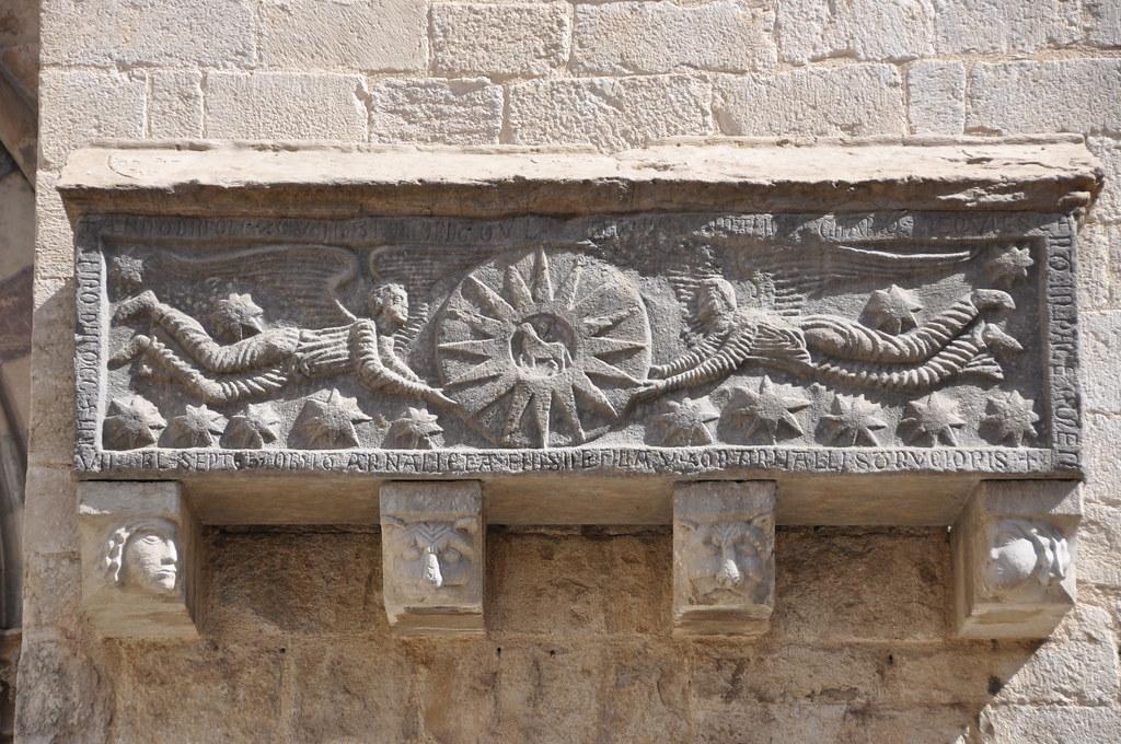 Girona. Collegiate church of St Feliu. Tomb of Guillem Arnau de Clarí and his daughter Arnaleta (around 1200)