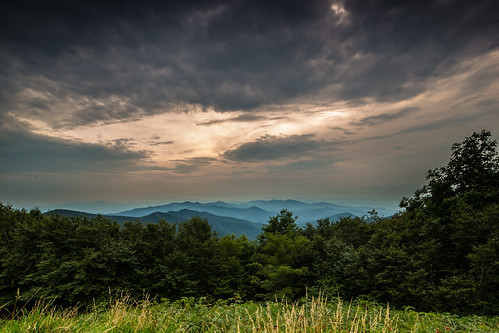 trees sunset sky mountains grass clouds forest canon unitedstates tennessee northcarolina blueridge 6d cherohalaskyway robbinsville
