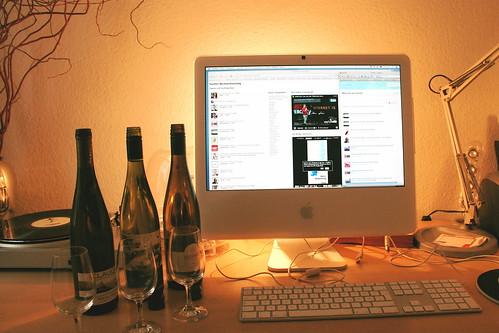 Dank Twitter-Weinverkostung endlich salonfähig: Alkohol am Arbeitsplatz