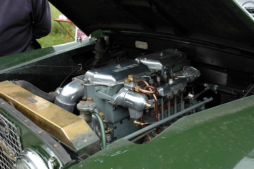 Gardner diesel engine in Series 2 Land Rover | by fryske